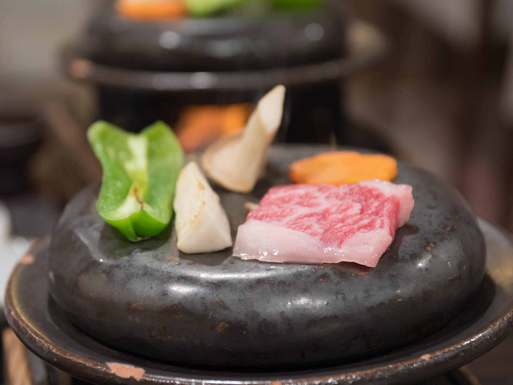 松坂牛と野菜の石板焼き